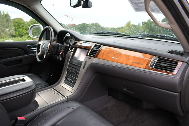 2013 Cadillac Escalade ESV Platinum Edition AWD Naugatuck, Connecticut 11