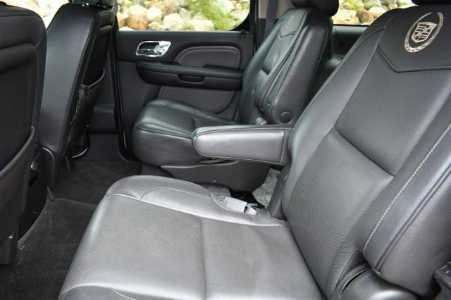 2013 Cadillac Escalade ESV Platinum Edition AWD Naugatuck, Connecticut 14