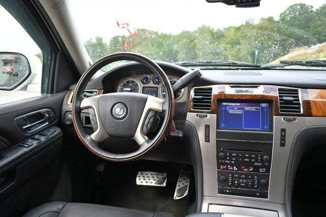 2013 Cadillac Escalade ESV Platinum Edition AWD Naugatuck, Connecticut 16