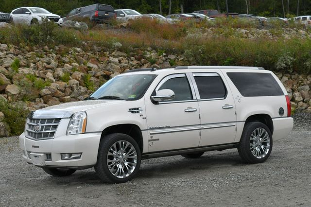 2013 Cadillac Escalade ESV Platinum Edition AWD Naugatuck, Connecticut 2