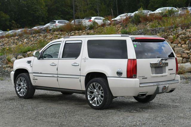 2013 Cadillac Escalade ESV Platinum Edition AWD Naugatuck, Connecticut 4