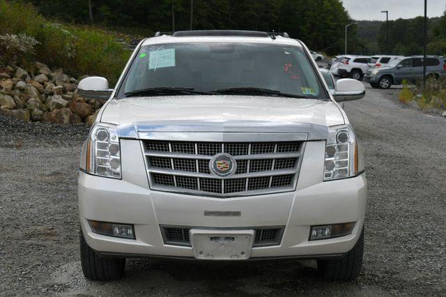 2013 Cadillac Escalade ESV Platinum Edition AWD Naugatuck, Connecticut 9