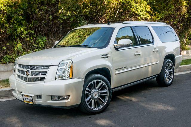 2013 Cadillac Escalade ESV AWD - NAVI - DVD -3RD ROW