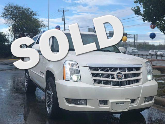 2013 Cadillac Escalade ESV Premium in San Antonio TX, 78233