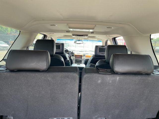 2013 Cadillac Escalade ESV Platinum Edition in San Antonio, TX 78233