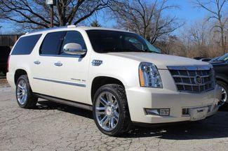 2013 Cadillac Escalade ESV Platinum Edition St. Louis, Missouri