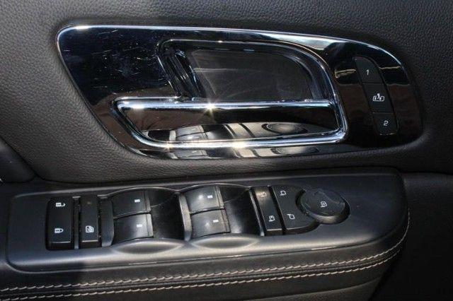 2013 Cadillac Escalade ESV Platinum Edition St. Louis, Missouri 21