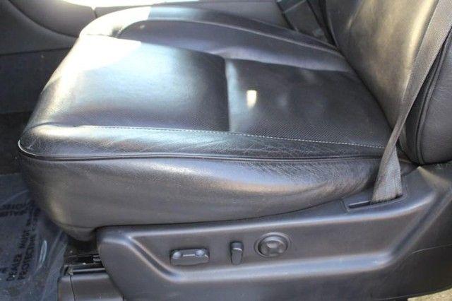 2013 Cadillac Escalade ESV Platinum Edition St. Louis, Missouri 8