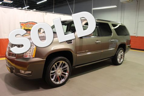 2013 Cadillac Escalade ESV Platinum Edition in West Chicago, Illinois