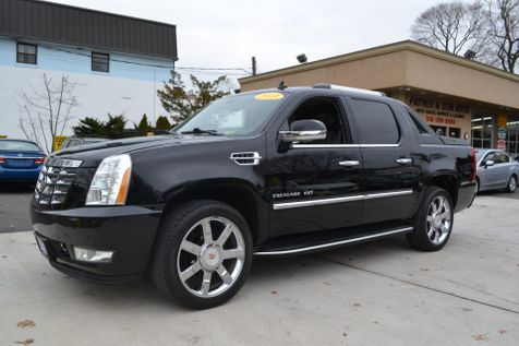 2013 Cadillac Escalade EXT Luxury in Lynbrook, New