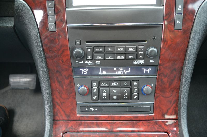 2013 Cadillac Escalade EXT Luxury  city New  Father  Son Auto Corp   in Lynbrook, New