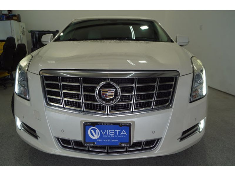 2013 Cadillac XTS Premium  city Texas  Vista Cars and Trucks  in Houston, Texas