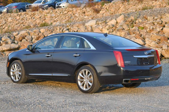 2013 Cadillac XTS Luxury Naugatuck, Connecticut 2
