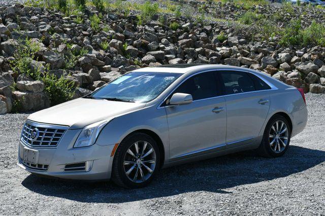 2013 Cadillac XTS Luxury Naugatuck, Connecticut 2