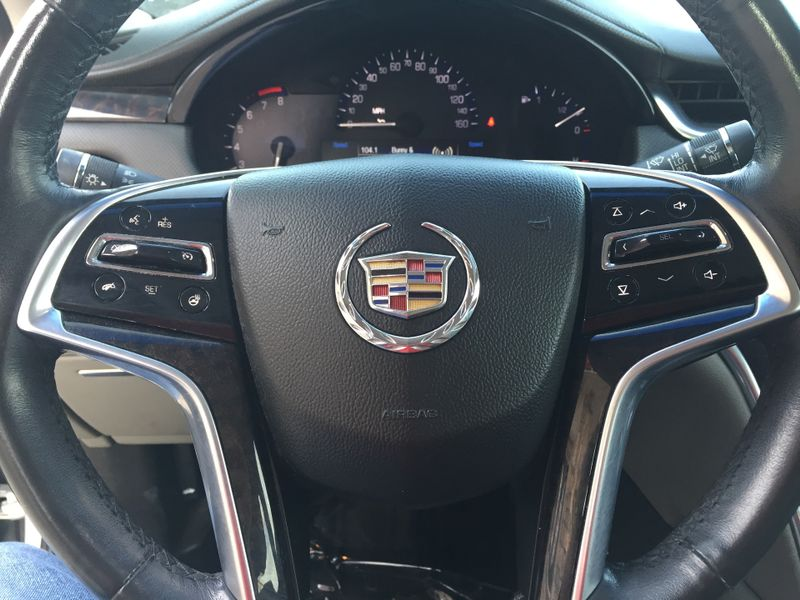 2013 Cadillac XTS Professional Luxury  Brownsville TX  English Motors  in Brownsville, TX