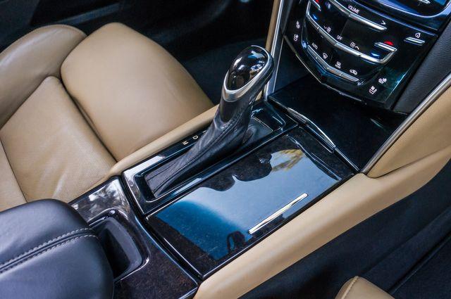 2013 Cadillac XTS Premium in Reseda, CA, CA 91335
