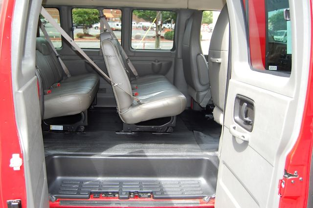 2013 Chevrolet 15 Pass. LS Charlotte, North Carolina 8
