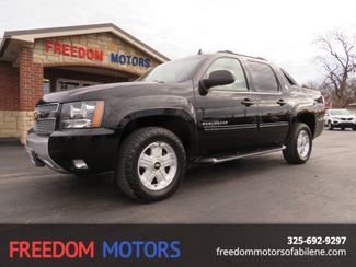 2013 Chevrolet Avalanche Black Diamond LT 4x4 | Abilene, Texas | Freedom Motors  in Abilene,Tx Texas