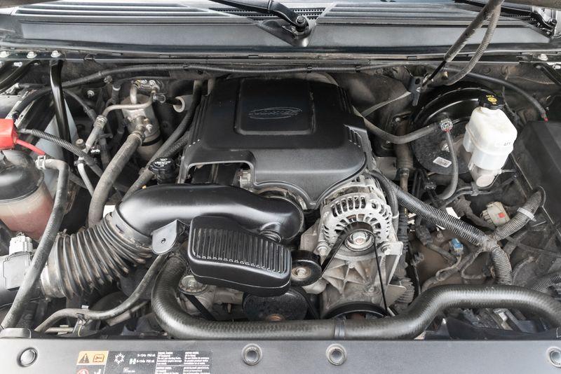 2013 Chevrolet Avalanche LTZ  Black Diamond  in Rowlett, Texas