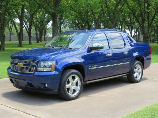 2013 Chevrolet Avalanche Black Diamond LTZ