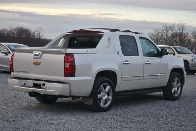 2013 Chevrolet Avalanche LTZ Naugatuck, Connecticut 4
