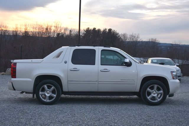 2013 Chevrolet Avalanche LTZ Naugatuck, Connecticut 5