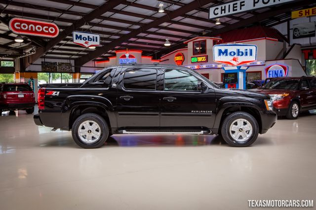 2013 Chevrolet Black Diamond Avalanche LT 4X4 in Addison Texas, 75001