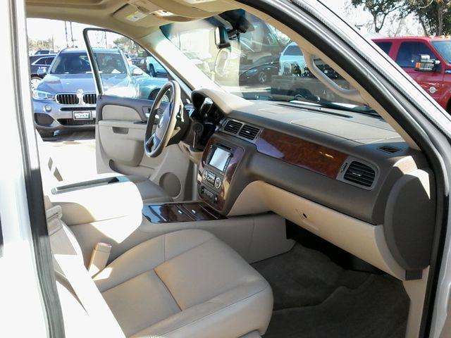 2013 Chevrolet Black Diamond Avalanche LTZ Boerne, Texas 17