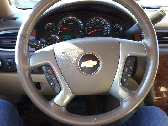 2013 Chevrolet Black Diamond Avalanche LTZ Boerne, Texas 22