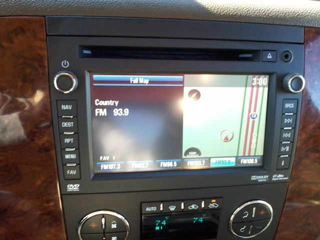 2013 Chevrolet Black Diamond Avalanche LTZ Boerne, Texas 26