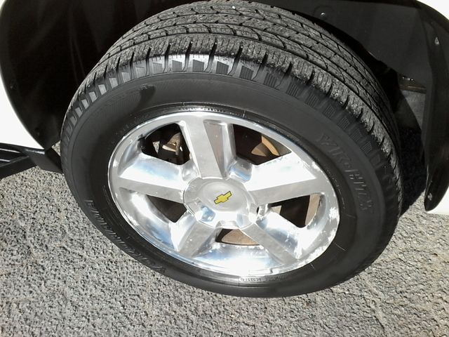 2013 Chevrolet Black Diamond Avalanche LTZ Boerne, Texas 39