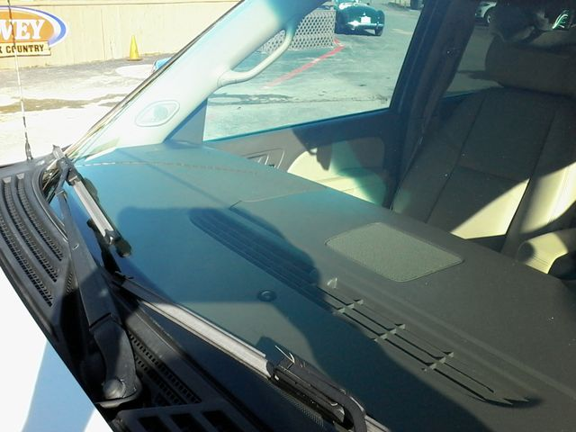 2013 Chevrolet Black Diamond Avalanche LTZ Boerne, Texas 44
