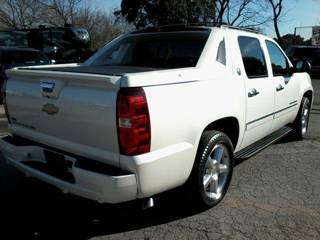 2013 Chevrolet Black Diamond Avalanche LTZ Boerne, Texas 7