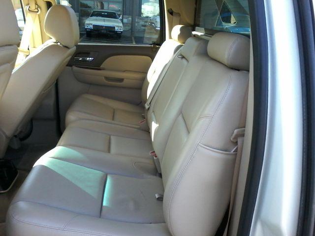 2013 Chevrolet Black Diamond Avalanche LTZ Boerne, Texas 13