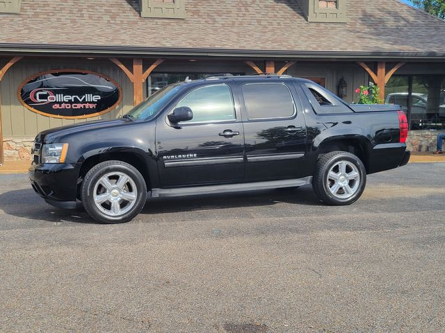 2013 Chevrolet Black Diamond Avalanche LT in Collierville, TN 38107