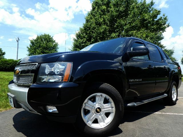 2013 Chevrolet Black Diamond Avalanche LTZ