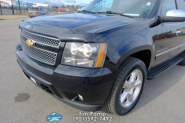 2013 Chevrolet Black Diamond Avalanche LTZ 1 OWNER LIKE NEW CONDITION in Memphis, Tennessee 38115
