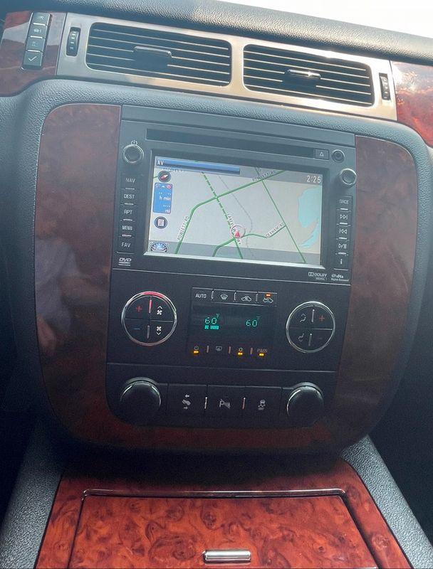 2013 Chevrolet Avalanche BLACK DIAMOND ED V8 NAV LTHR DVD SUNROOF SUPR NICE in Rowlett, Texas