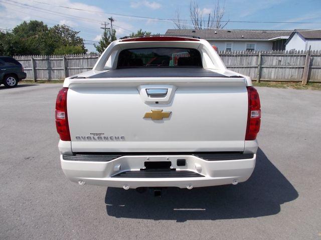 2013 Chevrolet Black Diamond Avalanche LTZ Shelbyville, TN 13