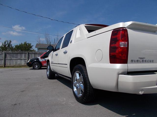 2013 Chevrolet Black Diamond Avalanche LTZ Shelbyville, TN 3
