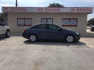 2013 Chevrolet Cruze LS Devine, Texas 2
