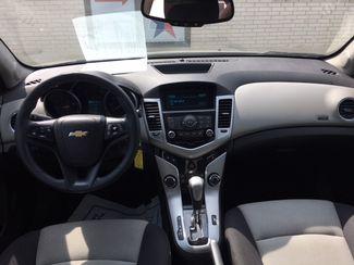 2013 Chevrolet Cruze LS Devine, Texas 5