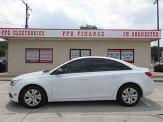 2013 Chevrolet Cruze LS in Devine, Texas 78016