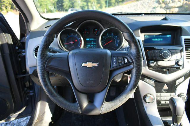 2013 Chevrolet Cruze LS Naugatuck, Connecticut 18