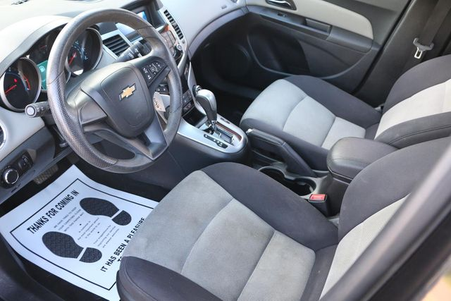 2013 Chevrolet Cruze LS Santa Clarita, CA 8