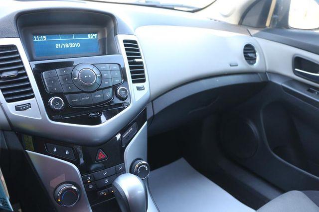 2013 Chevrolet Cruze LS Santa Clarita, CA 18