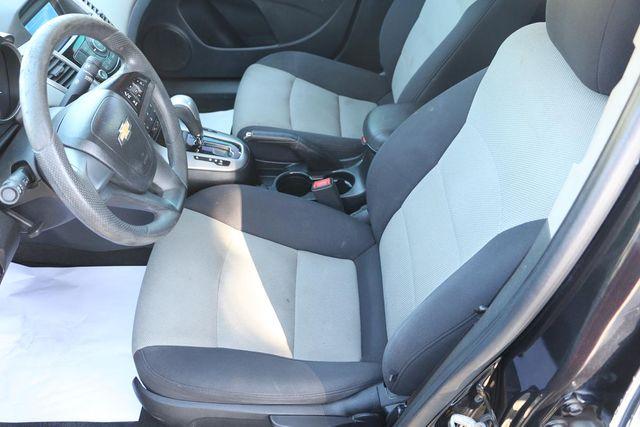 2013 Chevrolet Cruze LS Santa Clarita, CA 13
