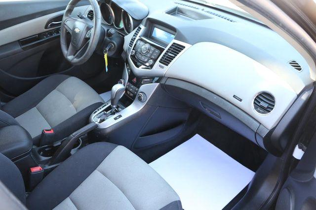 2013 Chevrolet Cruze LS Santa Clarita, CA 9