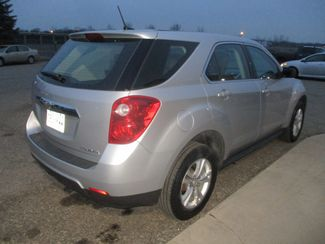 2013 Chevrolet Equinox LS Farmington, MN 1