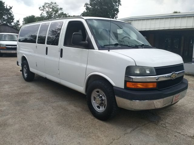 2013 Chevrolet Express 15 Passenger LT Houston, Mississippi 1